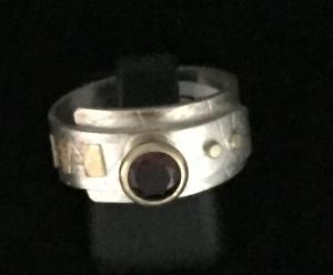 Garnet SS/22k/18k Ring